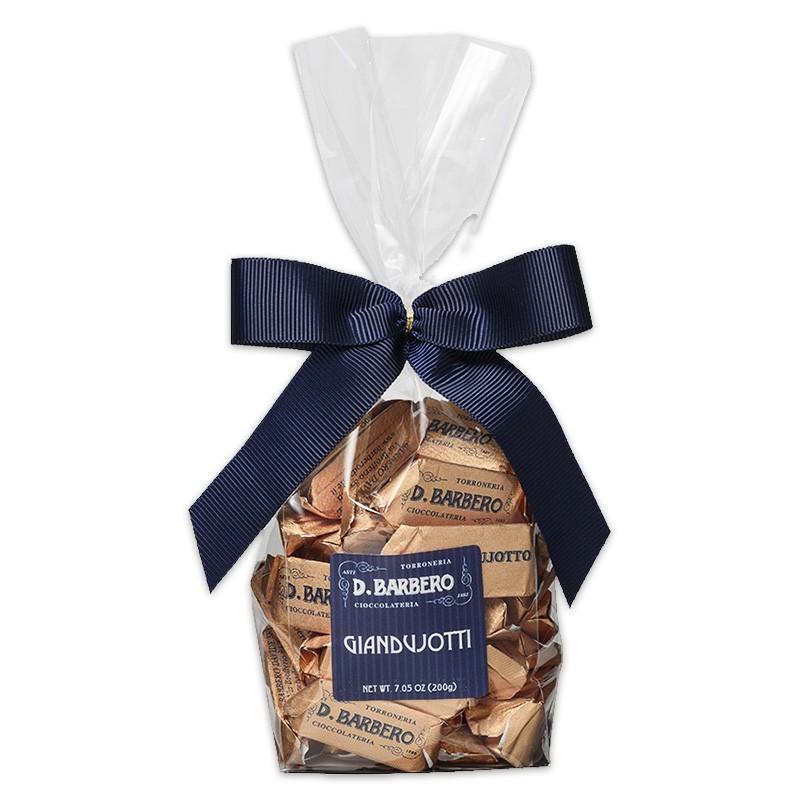 https://www.quai-des-oliviers.com/1998-large_default/boite-de-chocolats-gianduiotti-pieces.jpg