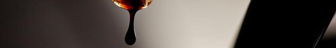 Les vinaigres balsamiques Léonardi à Modène sont sans doutes parmi les plus prestigieux de la régon, de 2 ans d'âge à plus de 100 ans, découvrez la sélection Quai des Oliviers de vinaigres balsamiques.