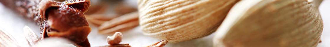 Une sélection unique de poivres de qualité : Timur, Sarawak, Tellichery, Sechuan, ... le meilleur des poivres pour un véritable voyage aromatique.